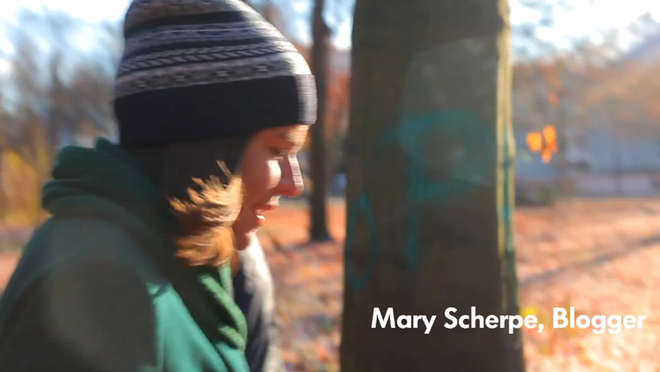 Blogger Mary Scherpe as The Sun Seekers of VW Beetle Cabriolet Campaign by Volkswagen